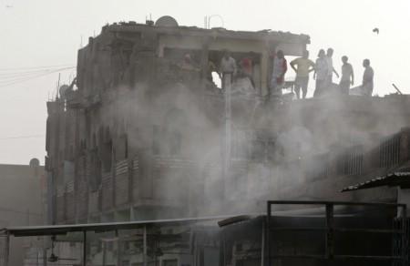 2008-03-29t142633z_01_nootr_rtridsp_3_ofrtp-irak-violences-20080329.jpg