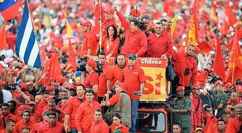 VENEZUELA-CONSTITUTION-REFERENDUM-CHAVEZ