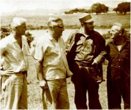Paul Baran, Paul Sweezy, Fidel Castro et Leo Huberman en 1960